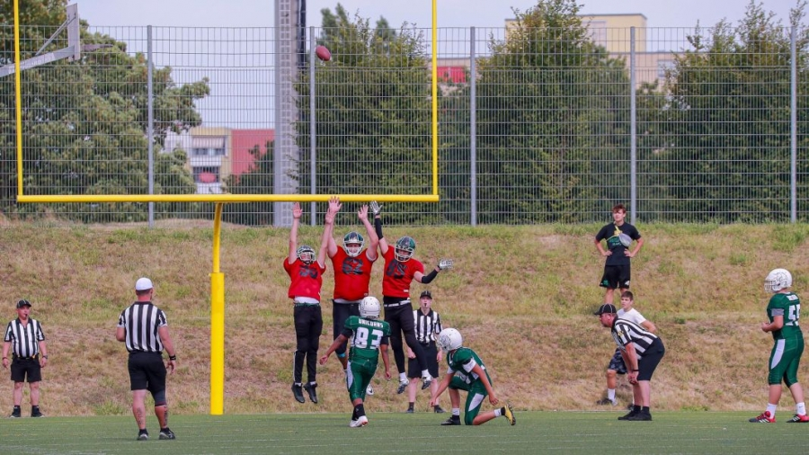 tuebingen-red-knights-vs-unicorns-35-36-15DF5B93BF-A895-DF10-228E-FC46E2D8F86C.jpg